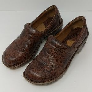 Born BOC Brown Clogs Mules Size 8 W